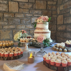 Semi-naked Cake and cupcakes