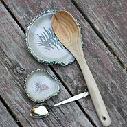 spoon-rest-handpainted-stoneware-pottery