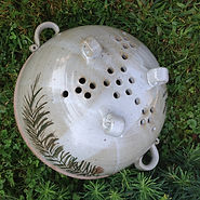 colander-handpainted-stoneware-pottery.j