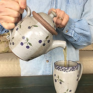 teapot-handpainted-stoneware-pottery.JPG