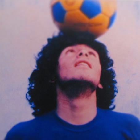 AD10S Diego Armando Maradona, campione solo