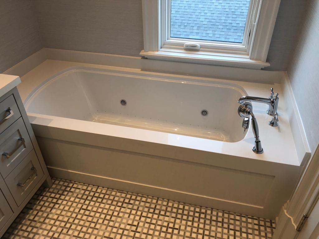 Quartz Bathtub