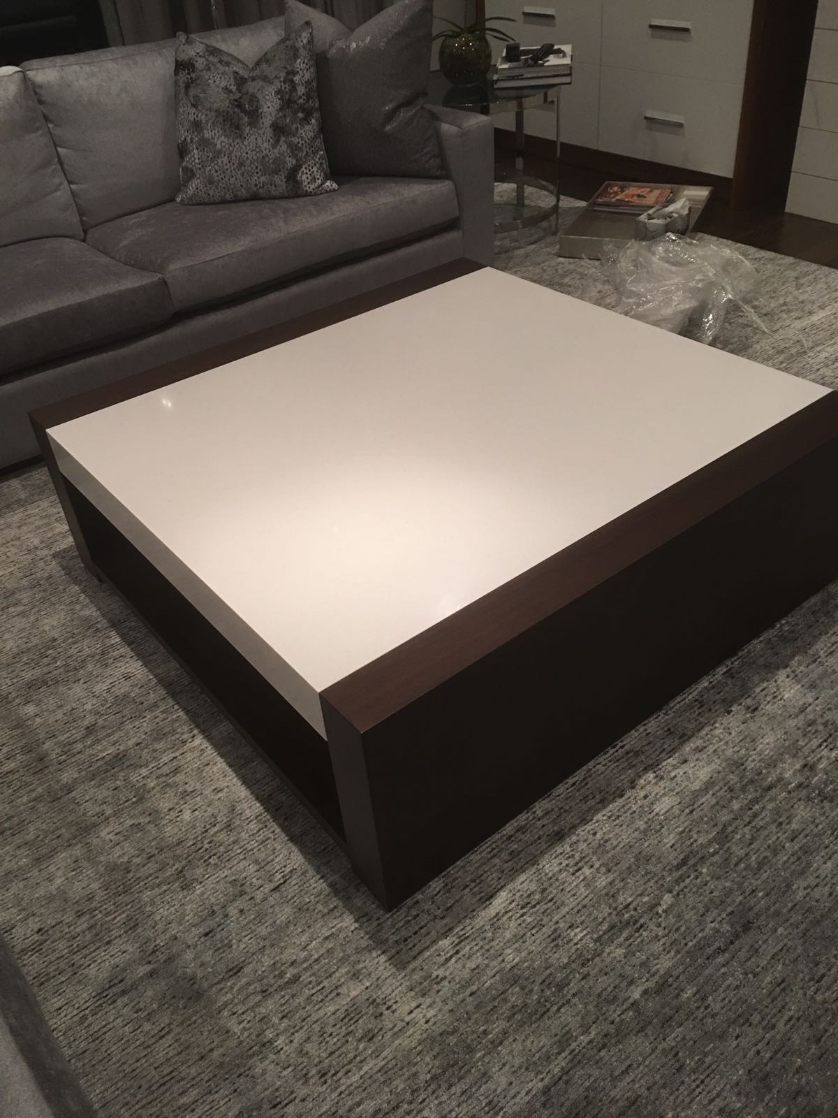 Customs Quartz Table