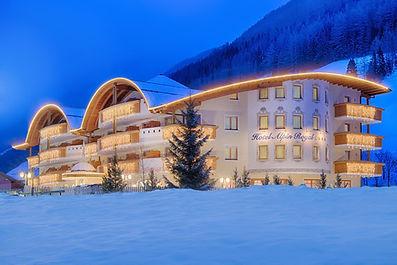 Alpin Royal avond winter.jpg