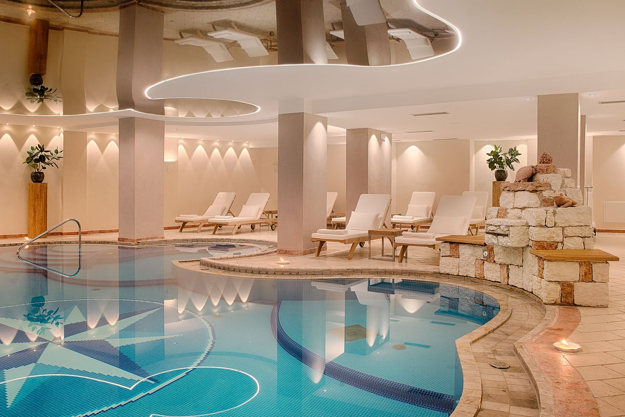 Alpin Royal zwembad nieuw