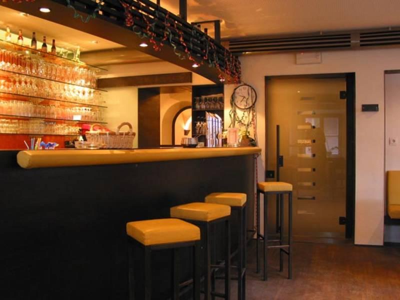 Steinhauswirt bar.jpg