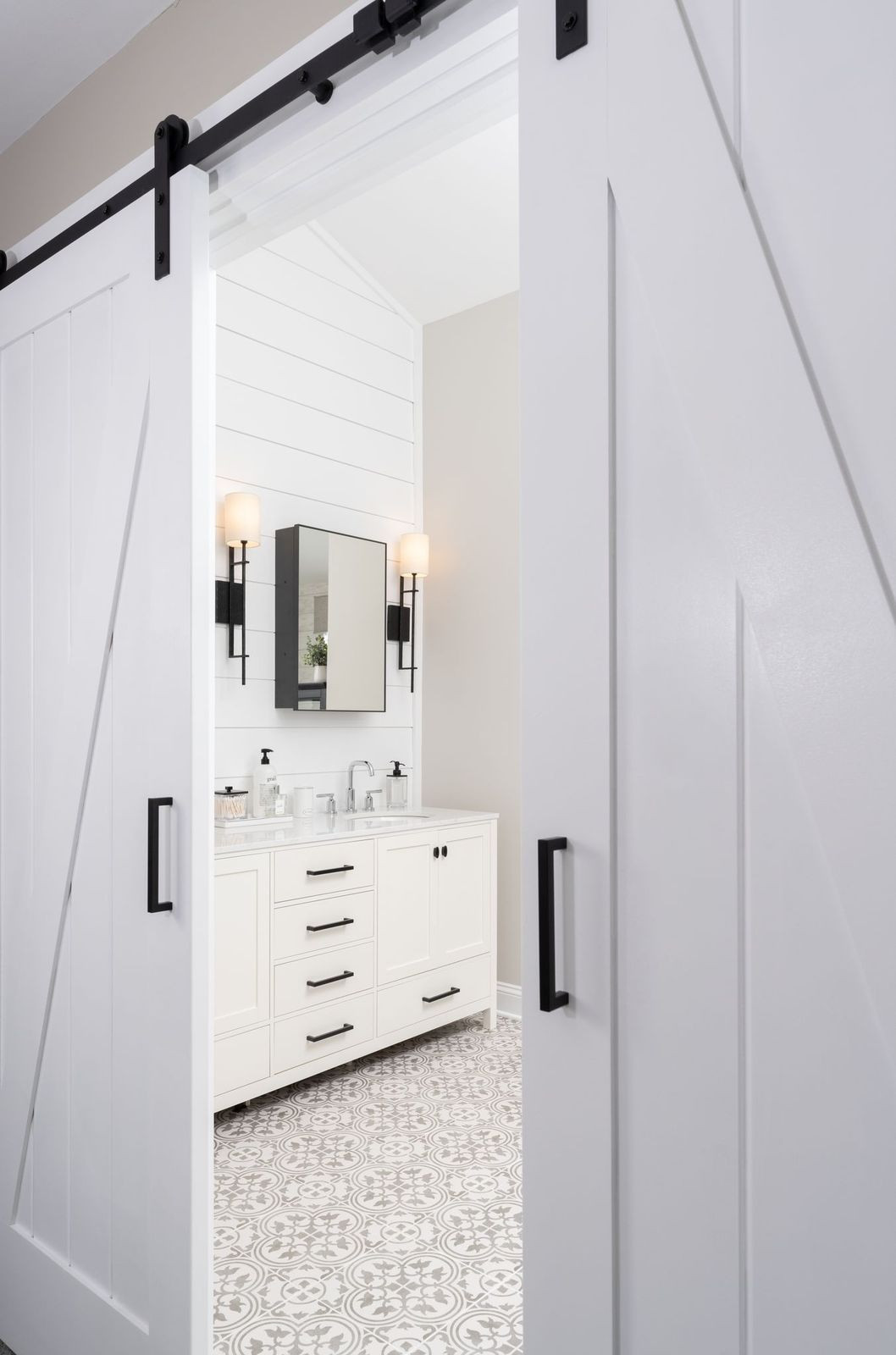 Ambler, PA: Modern Farmhouse Master Bathroom