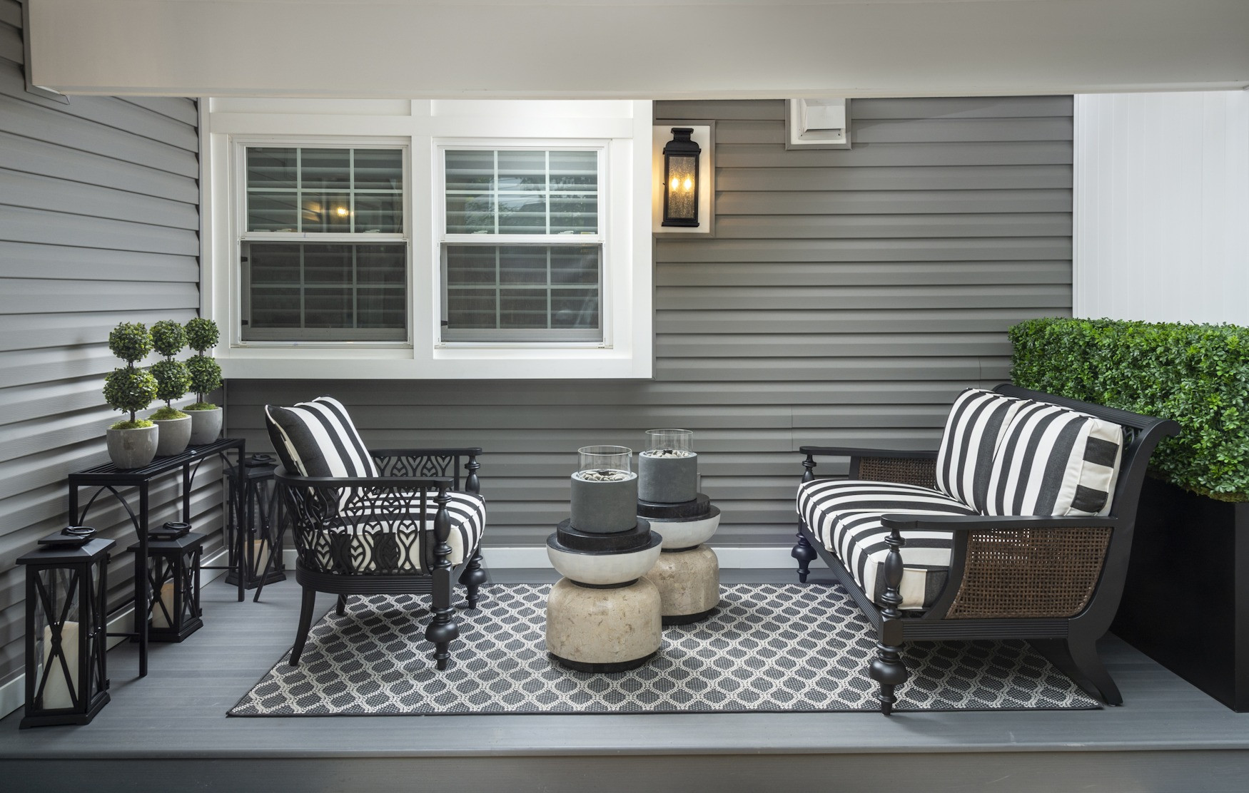 Wynnewood, PA: Modern Black & White Outdoor Furniture
