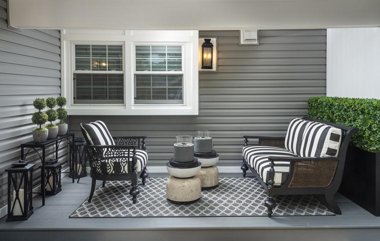 Wynnewood, PA: Modern Black & White Outdoor Furniture