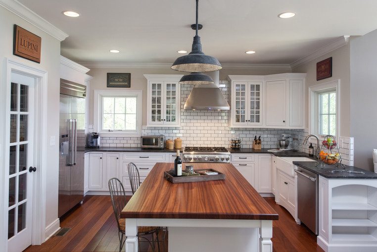 Crosswicks, NJ: Farmhouse Kitchen