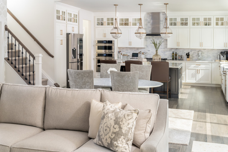 Huntingdon Valley, PA: Transitional Open Concept