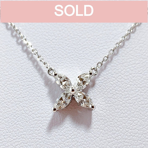 プラチナ950 きれいめお花 マーキースダイヤモンド ネックレス
