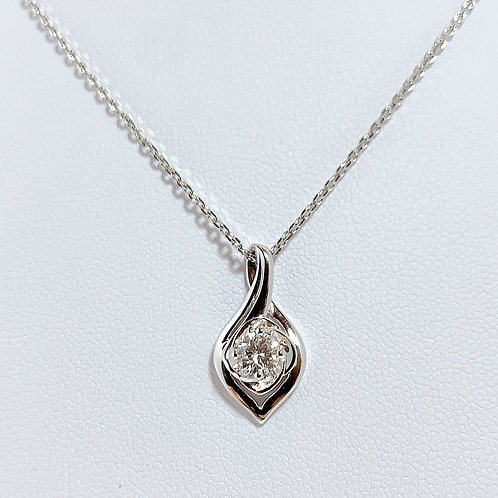 18金WG 1粒ダイヤモンド(0.31カラット) ティアドロップ ペンダント