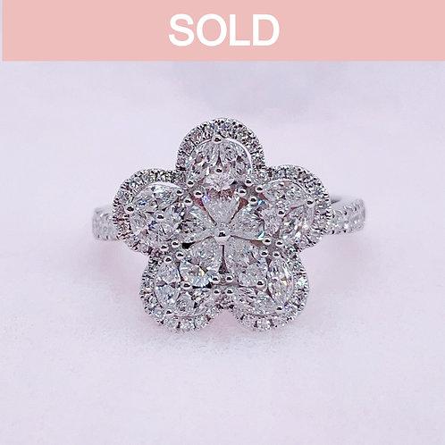 18金WG お花 ダイヤモンド リング