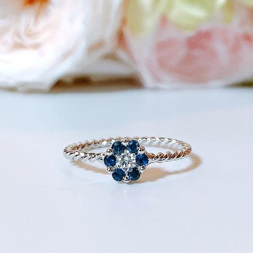 【プチ】18金WG お花リング ブルーサファイヤ&ダイヤモンド