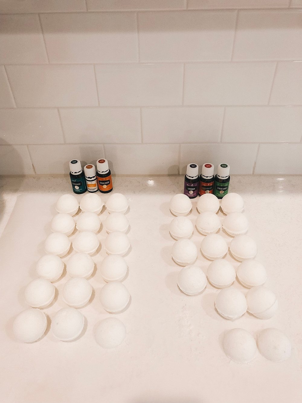 DIY, Bath bombs, essential oils, young living, Christmas gifts, teacher gifts, toxin-free, chemical-free