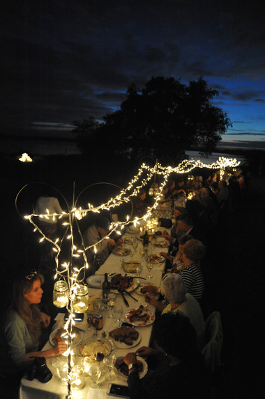 dining in the field 426.JPG
