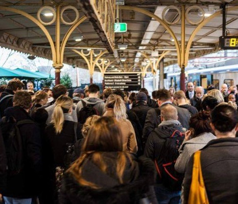 [CHUYỆN BÊN LỀ] - Public Transport: Chuyện không của riêng ai