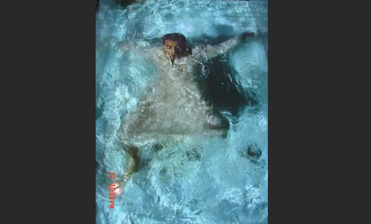 under-the-water-02.jpg