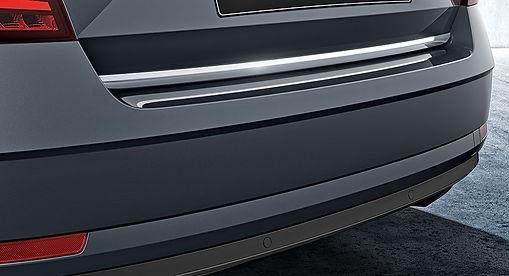 5E5064711A-5th-door-chrome-strip.jpg