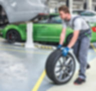 Complete-wheels-change-2_crop.jpg
