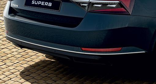 3V0071004A_Chrome-strip-rear-bumper.jpg