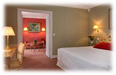 Suite with balcony & Sacre-Coeur view.jp