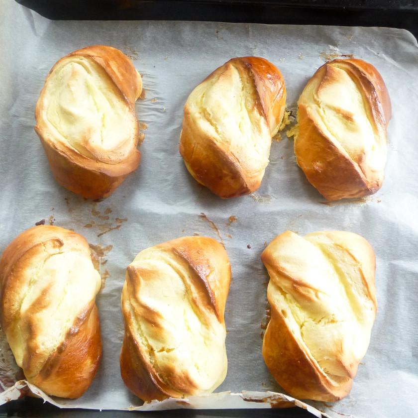 Sweet Cream Cheese Rolls