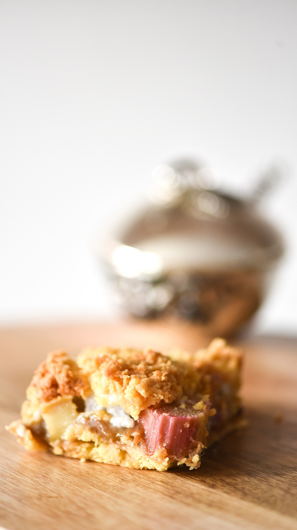 Rhubarb Shortbread Cake