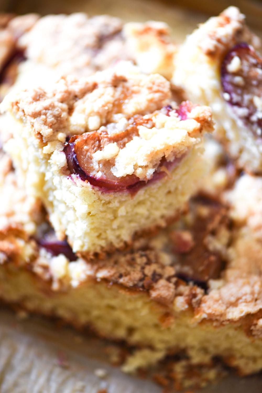 Plum Cake (Zwetschgenkuchen or Drozdzowka ze sliwkami)