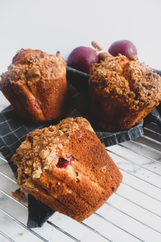 Plum Muffins with Cinnamon Streusel