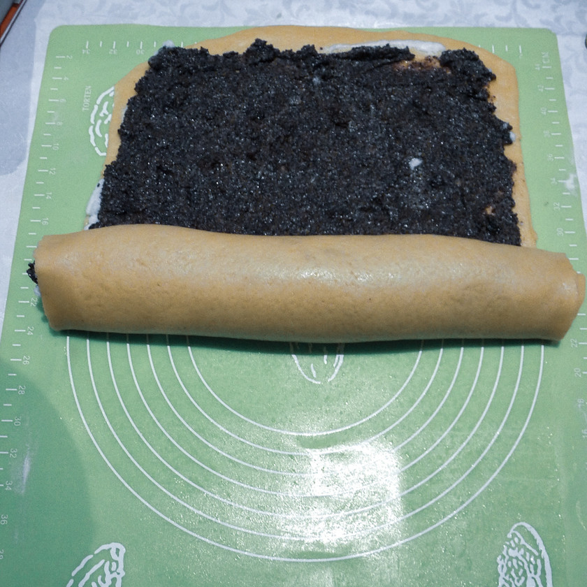 Poppy Seed Roll Cake
