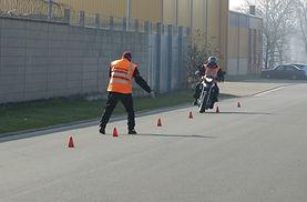 Zweiradausbildung Motorrad Grundfahraufg