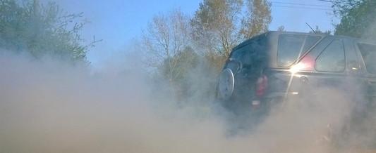 Land Rover Freelander throwing out some smoke