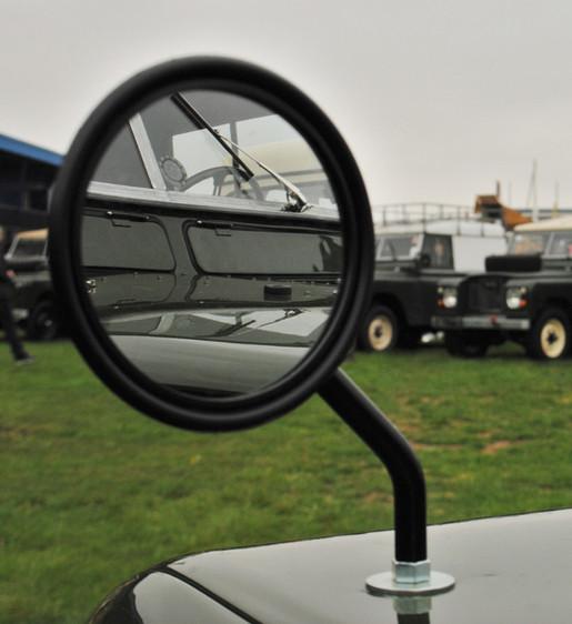 Land Rover Mirror Reflection