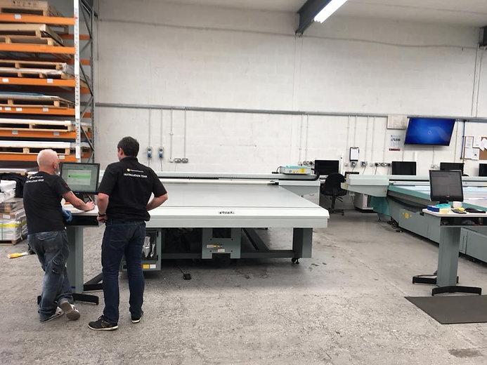 Ultimatum Group Engineers installing Oce Arizona