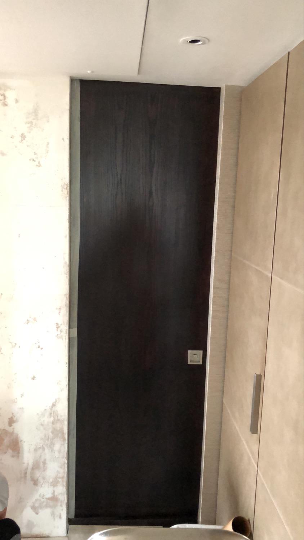 Door spray painting