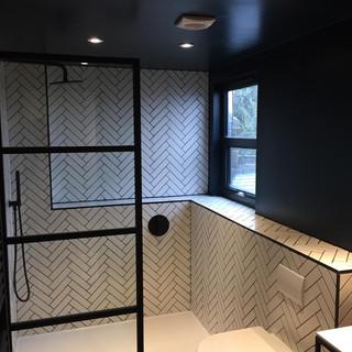 Loft En-suite bathroom