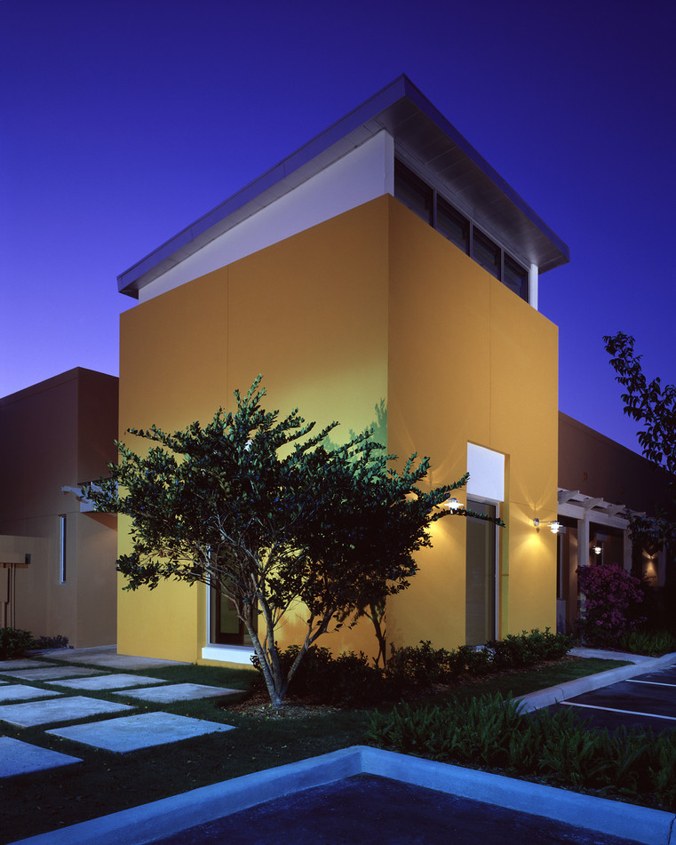 137 W Royal Palm_N Tower Night.jpg