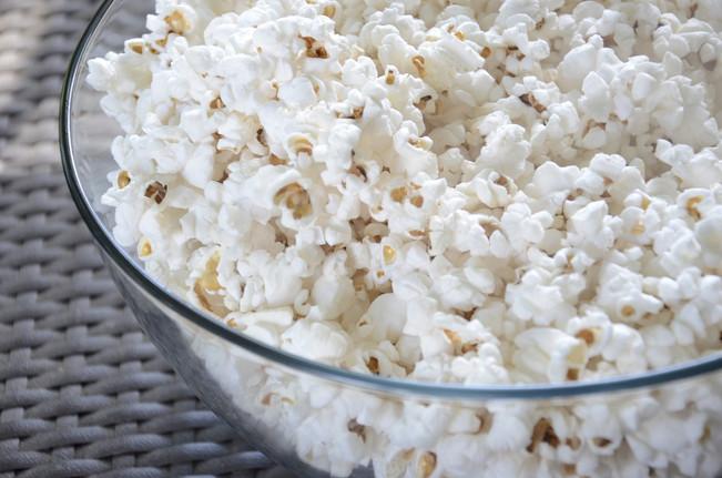 Popkornai (kukurūzų spragėsiai)