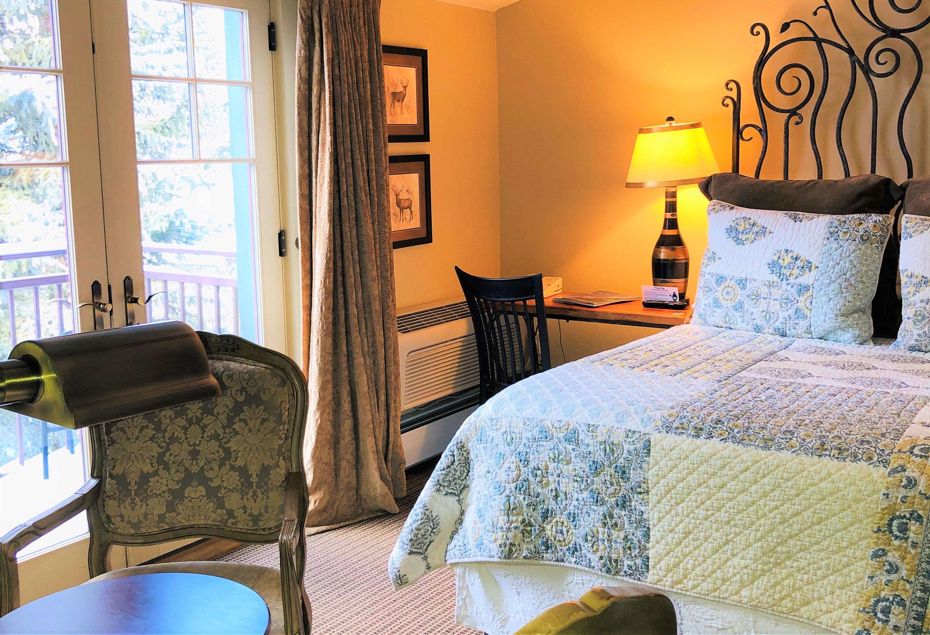 Premium Room: Queen Bed