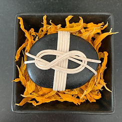 wind knot rock orange