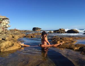 Splits with Maddie Sparkle at Bondi Beach