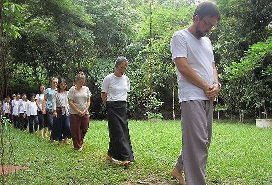 walking-meditation-2-crop.jpg
