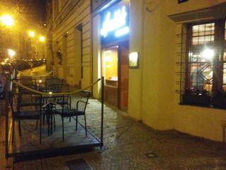 Přátelé, vážení hosté,  včera jsme po více než dvou měsících otevřeli i vnitřní prostory baru, a byl