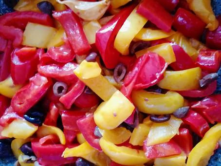Peperoni in padella con olive taggiasche