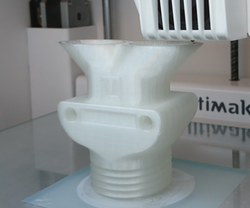 Ultimaker_profile_with_Facilan_HT_small_
