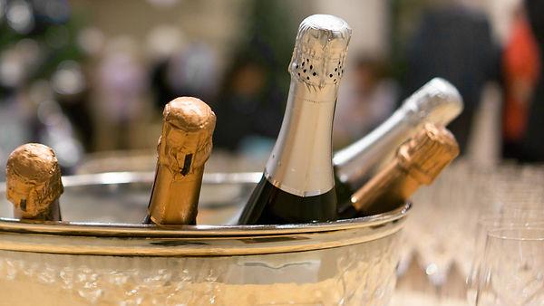 Champagne-vs-Prosecco-banner-70.jpeg