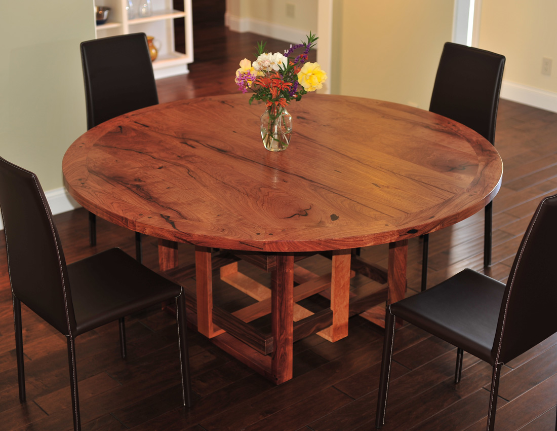 Baum Dining Table