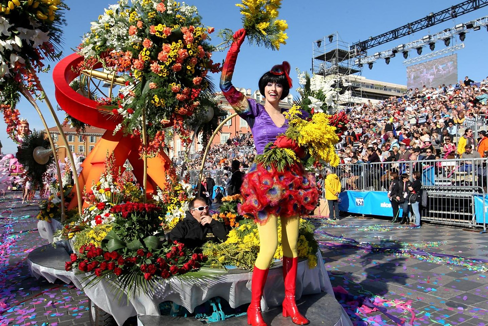 Bataille des fleurs. Battle of Flowers during the Carnival at Massena Square